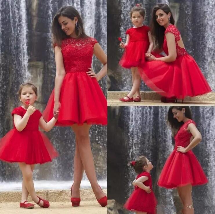 Bella Red Knee Lunghezza Ragazze di Fiore Abiti per Matrimoni Pizzo Tulle Ragazze Compleanno Abiti Su OrdineBella Red Knee Lunghezza Ragazze di Fiore Abiti per Matrimoni Pizzo Tulle Ragazze Compleanno Abiti Su Ordine