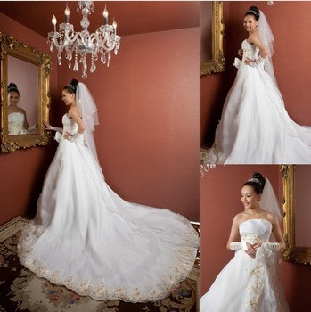 Princess grade large tailing wedding there are two codes and XL