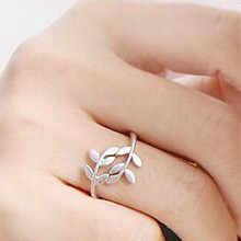 2018 New Boho Women Leaf Rose Gold Rings For Women Vintage Silver Ring For Ladies Female Wedding Rings Accessories Jewelry(China)