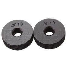 2 x Серебряный 28x8x8 мм стальной инструмент накатки одно прямое колесо 1,0 мм шаг