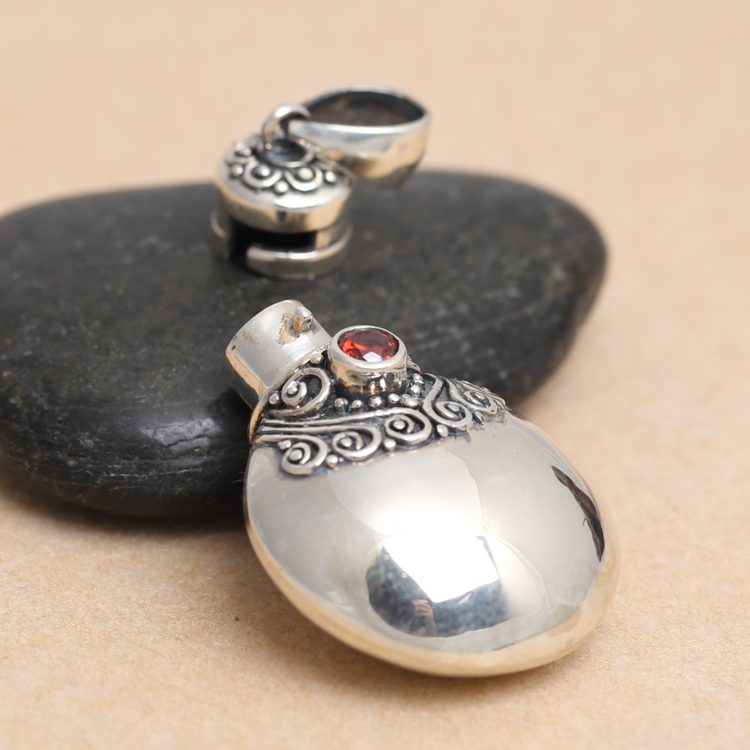 Sterling Silver S925 Silver Vintage men and women perfume bottle box Pendant Necklace Jewelry ms.man chic perfume bottle red lip number 5 shape embellished necklace for women