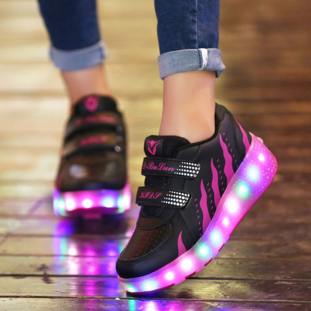 Boys Girl Sneakers Children Sport Casual Shoes With Wheels LED Flashing Light Kid Roller Skate Dance Shoes Glowing Luminous Juni