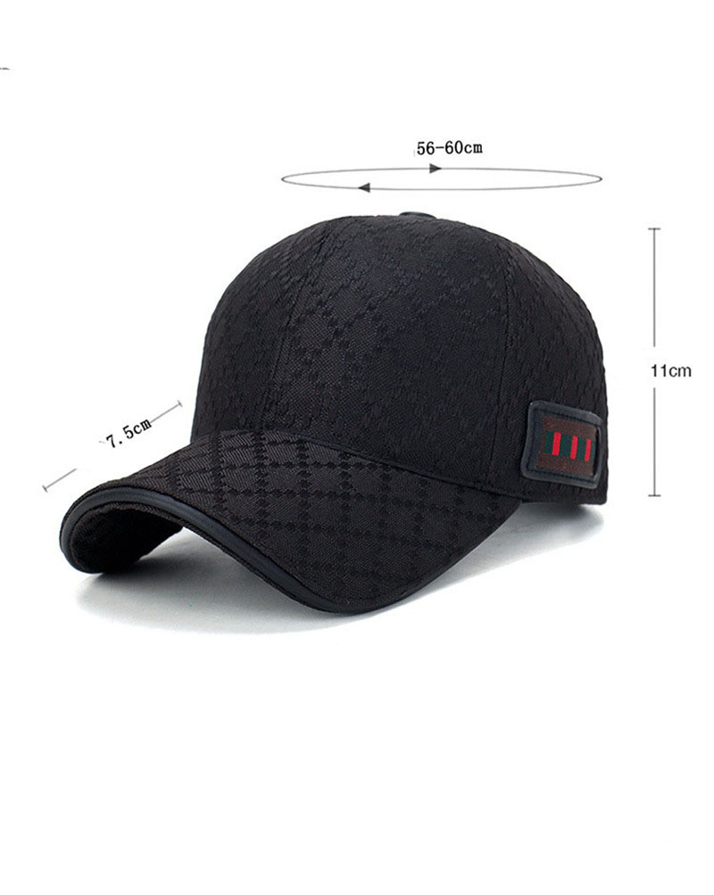 black trucker hat 1