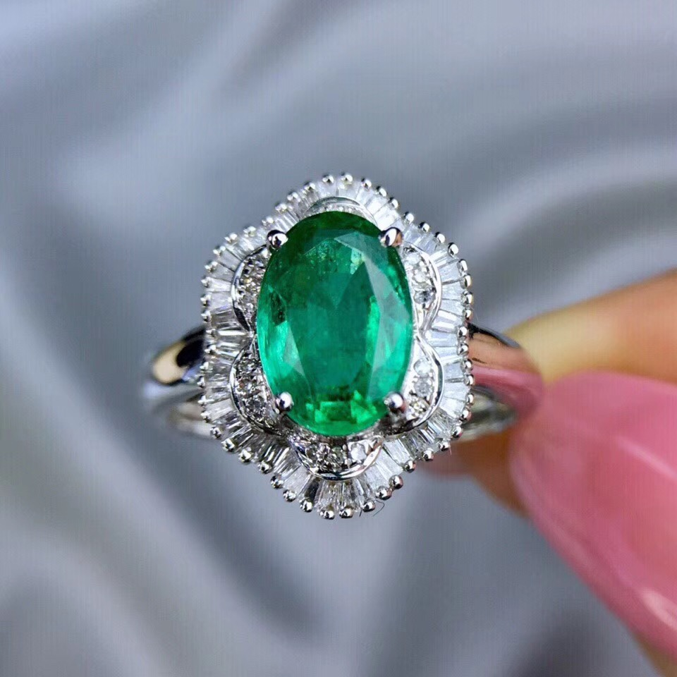 все цены на Hot Sale1.6Ct Lab Created Colombian AAA Oval Shape Emerald Ring In Solid 14Kt White Gold Ring with Moissanite Jewelry For Women онлайн