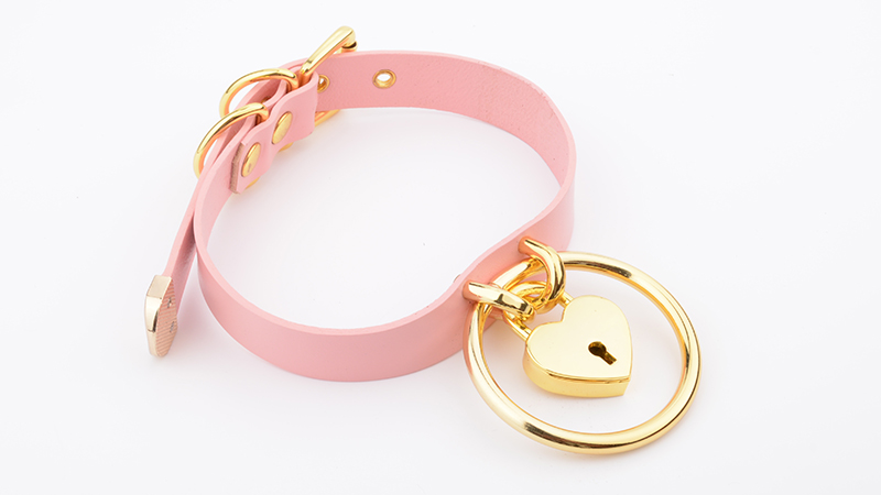 Punk Gothic Hand Crafted 100% Real Leather Choker 60mm O Round Gold Collar Kawaii Love Heart Necklace Women Lockable BDSM Choker 12