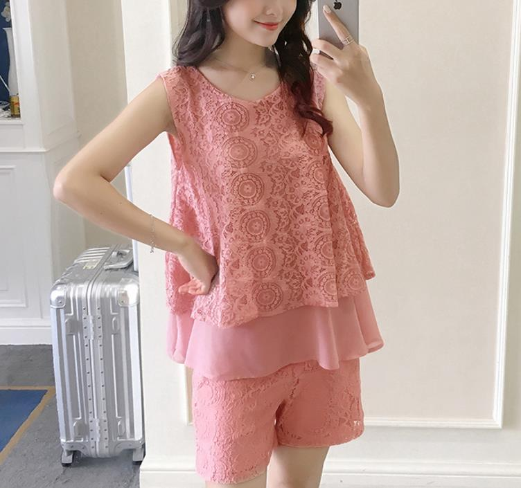 2018 yujiaset Pregnant woman Shorts Suits 2018 Summer New Lace A-line Patchwork Sleeveless Tops and adjustable Waist Shorts Set