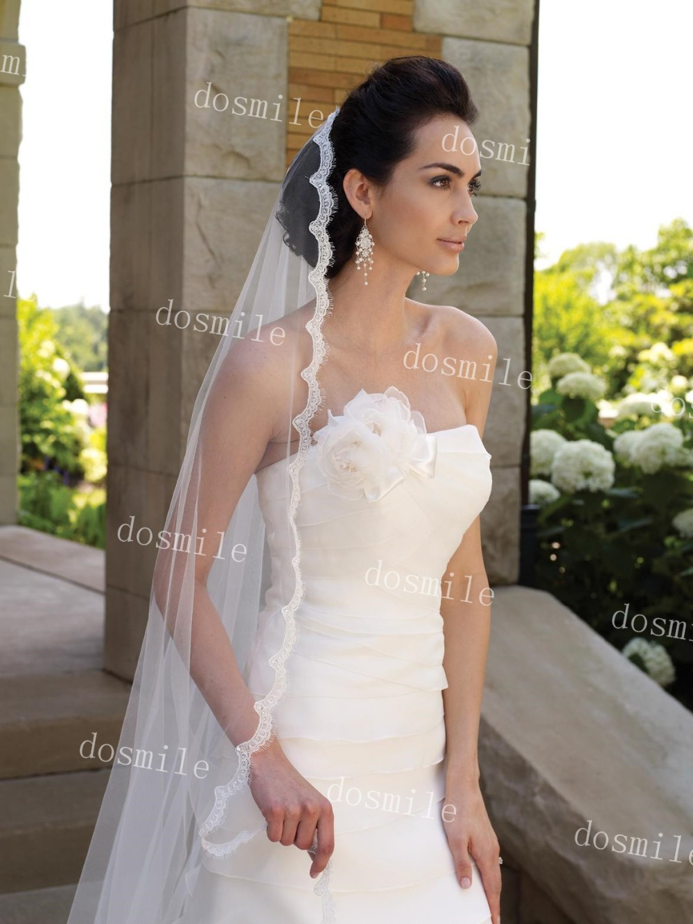 Charming One Layer Bridal Veils With Lace Eyelash Edge And Pearls Chapel Length Tulle Wedding Veils With Free Comb