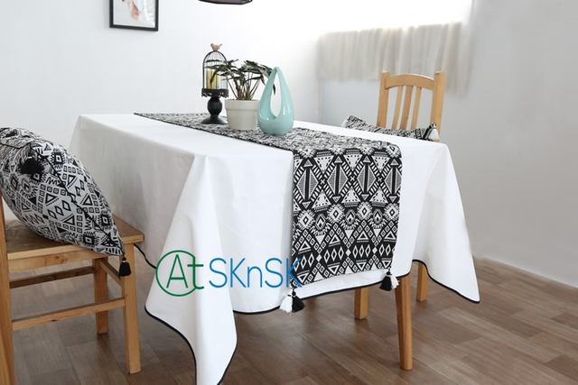 2017 Nordic Modern Minimalist Geometry DIY Cotton Table Runner Home  Decoration Tassel Black And White Table