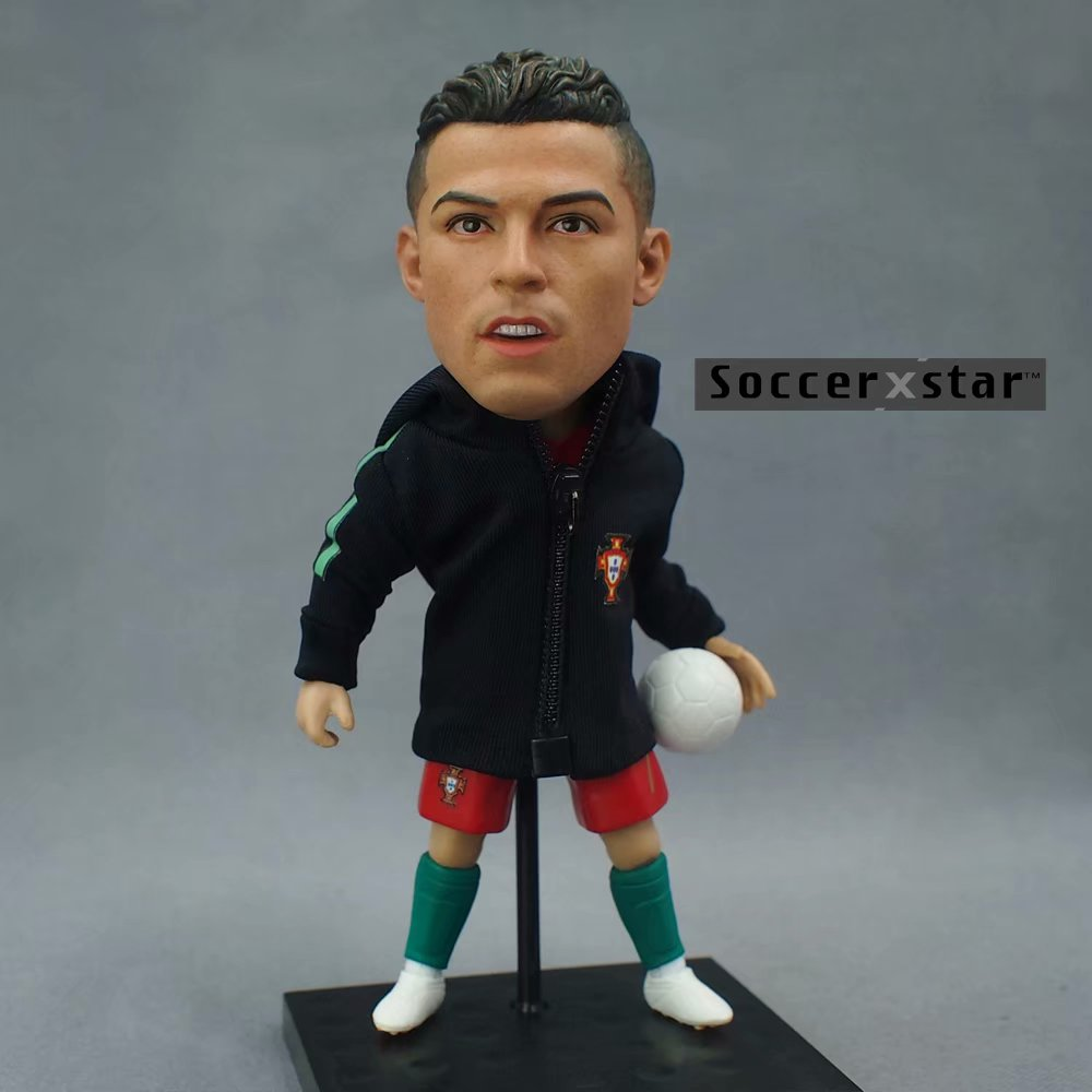 Soccerxstar Figurine Football Player Movable Dolls 7# C.RONALDO (PRT 2018) 12CM/5in Figure BOX include Accessories soccerwe dolls figurine football stars 17 18 7 c ronaldo movable joints resin model toy action figure dolls collectible gift
