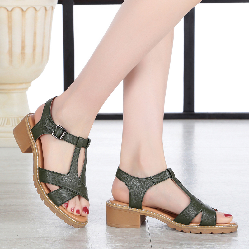 ФОТО Female sandals 2017 summer new genuine leather women sandals fish mouth leisure roman soft bottom slippery beach mother shoes