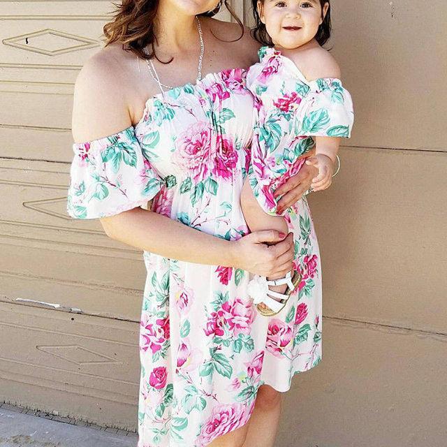 5a0ca9114 Familia vestido madre e hija Matching Floral Mini vestidos de verano ...