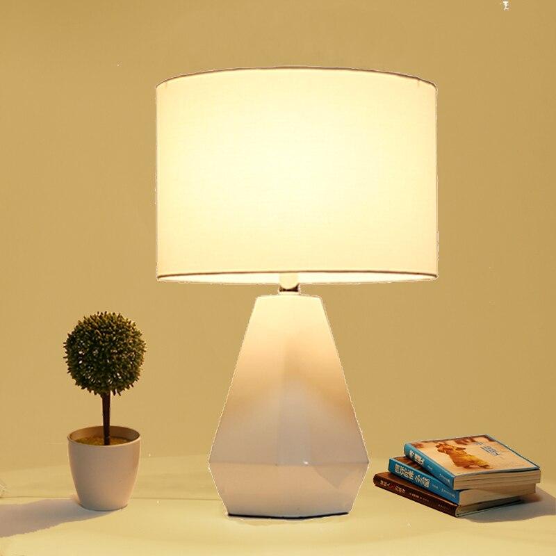 Лампа спальня прикроватные смолы творческий современный минималистский гостиная украшения свадебные настольная лампа lo71109