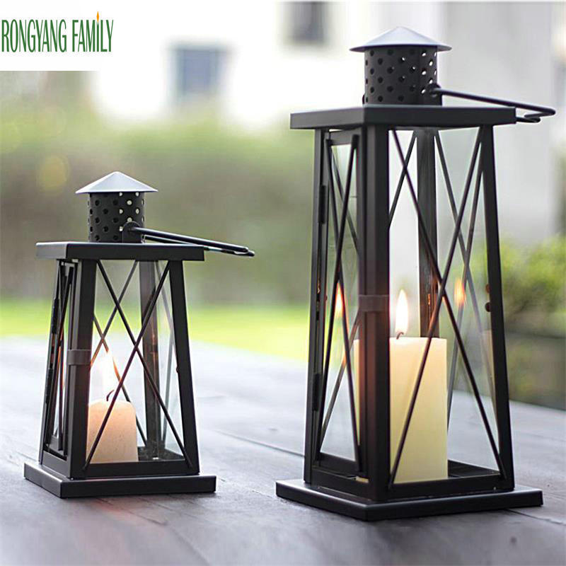 European Retro Candle Holder Moroccan Romantic Wedding Metal Candlestick Home Decoration Candelabra Hanging Candle Lantern Craft