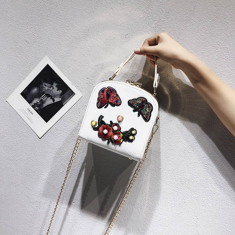 Chinese Style Women Shoulder Bag Chain Strap Flap Butterfly Flower Pearl Designer Handbags Clutch Bag Ladies Messenger Bags in Shoulder Bags from Luggage Bags