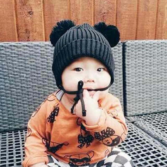 b36d956c8d4ff Bebé sombrero Pom invierno negro rojo de punto gorros para las niñas y los  niños lindo
