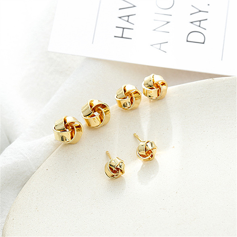 Unique  Geometric Earrings For Women New Design Round Heart Hollow  Earring Brincos Metal Statement Vintage Jewelry