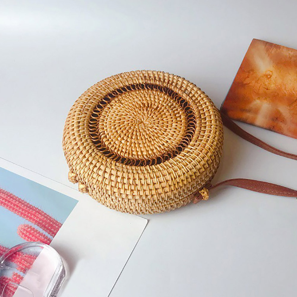 Vintage Handmade Rattan Woven Shoulder Bags PU Leather Straps Bow Hasp Holiday Beach Crossbody Bag Messengers Women Handbag(China)