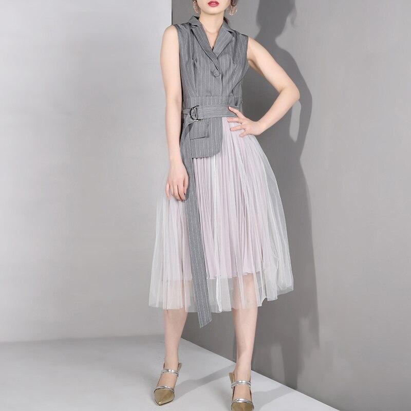 [EAM] 2019 nouveau printemps été revers sans manches gris Straped Mesh Split Joint lâche tempérament robe femmes mode marée LD6270 - 2
