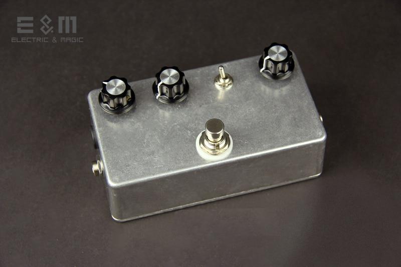 цена DIY MOD Fuzz Mad Professor Fire Red Fuzz FRF Pedal Electric Guitar Stomp Box Effects Amplifier AMP Acoustic Bass Accessories онлайн в 2017 году