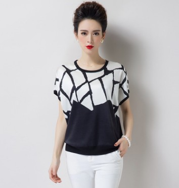 2018 new silk women's T-shirt thin short-sleeved mulberry silk print floral T-shirt female contracted wind.