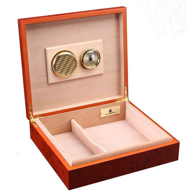 LUXFO Humidor Red Cedar Wood Portable Cigar Humidor Luxury Style