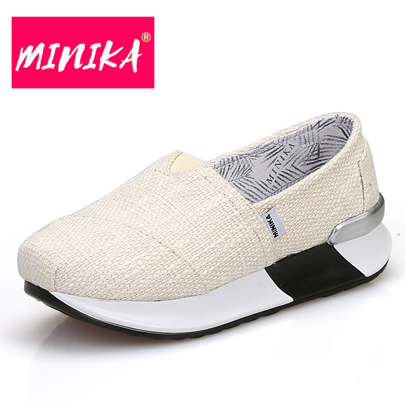 MINIKA Shallow Mouth Slip on Flat Shoes for Women Solid Colors Canvas Fabric Women Casual Shoes Comfort Women Platform Loafers minika new arrival 2017 women casual shoes soft platform shoes women slip on shallow flat shoes women large size shoes 35 42
