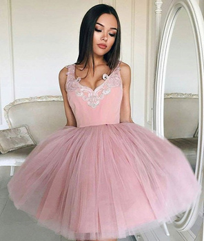 Cute Formal Homecoming Prom Gown A-line V Neck Appliques Tulle Wedding Party Dress