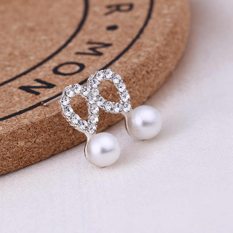 Recommend Cute Exquisite Simlated Pearl Crystal Stud Earring Butterfly Snowflake Star Triangle Crown Shape Earring Bijoux Brinco