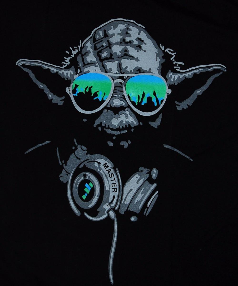 Yoda DJ Hip Hop Jedi Master Kopfhörer Grün Brille Mann Star WARS T ...