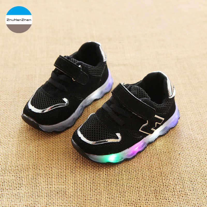 2018 LED זוהר ילדי נעלי ספורט תינוק בנים ובנות אופנה נעליים תחתונה רך פעוטה החלקה לילדים נעלי ריצה ללכת ראשון