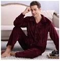 2017 Primavera Inverno Manter Aquecido Grosso Conjuntos de Sono Tops & Bottoms Dos homens Coral Fleece Pijama de Flanela Pijamas Nightclothes Térmica