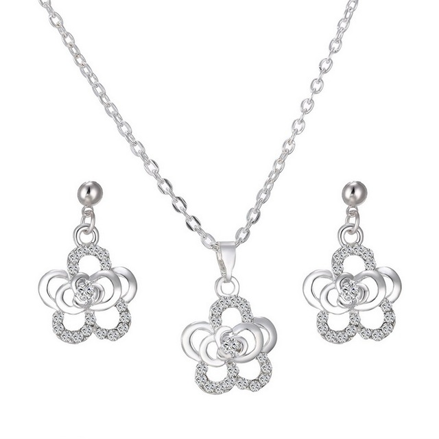 Simple And Stylish Flower Rhinestone Crystal Earring Necklace