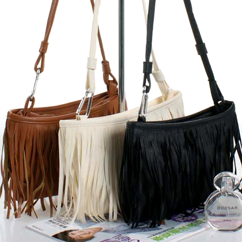 2015 new fashion casual handbags small fringed shoulder bag diagonal package PU lipt 2018 mini package bag chain bag small package of the new spring and summer leisure package free shipping