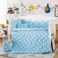 Горячая Детские кроватки Постельное белье 10 шт./компл. включают Наволочки + кровать матрас + Стёганое одеяло с наполнителем из хлопка с принт