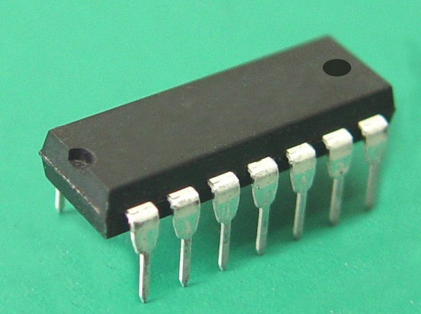 / Panafacom gold daikin, MN1613 microprocessor . old cpu . Electronic Components