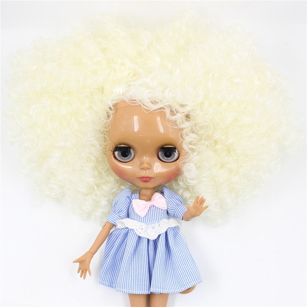 Neo Blythe Doll with Blonde Hair, Dark Skin, Shiny Face & Jointed Body 4