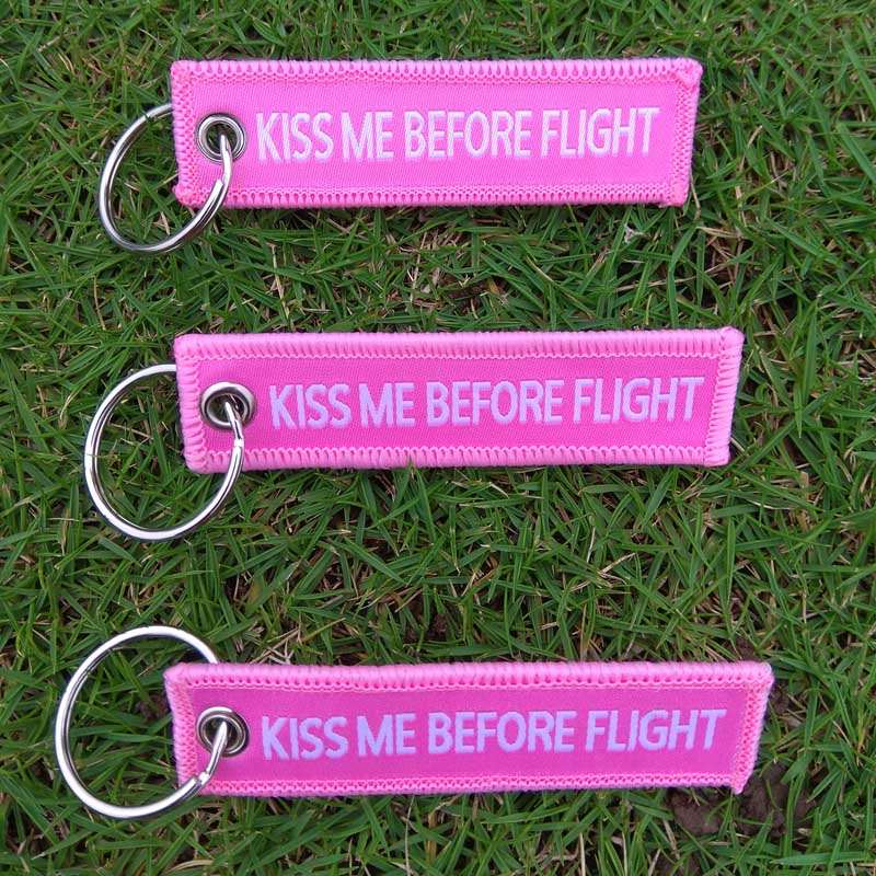 5pcs Pink Kiss Me Before Flight Keychains 7.7*2cm Luggage Tag Car keyrings Flight Attendant Gifts Key Chain For Women