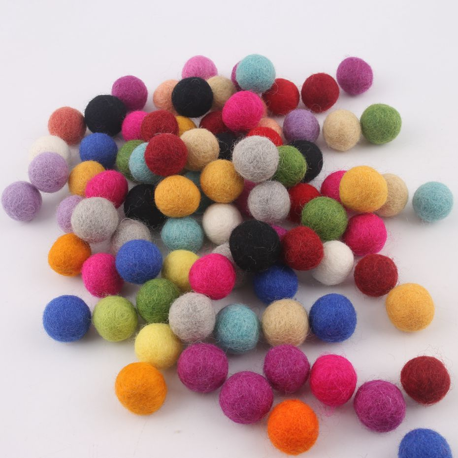 Wool Felt Balls Beads 100pc 2cm 100% Kids Handmade Beaded Assorted Light And Bright Mix Colors Home Decor Wall Baby Shower Gifts