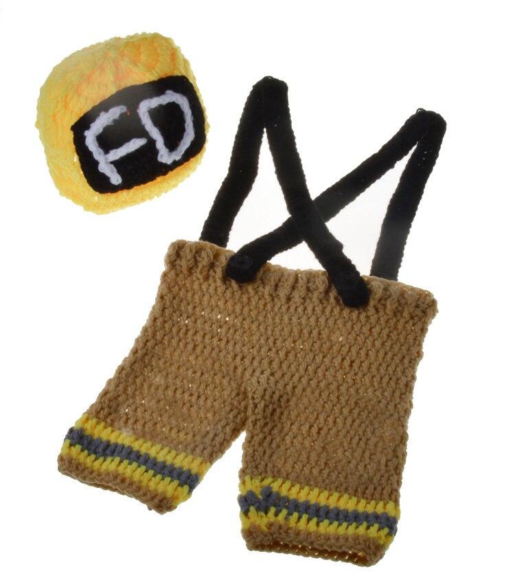 Nouveau né Garçons Crochet Pompiers Photographie Props Tricoté Infantile  Garçon Coming Home Outfit BÉBÉ Pompier Costume 0 3 m MZS 15037 dans  Chapeaux et ... c19820a9775