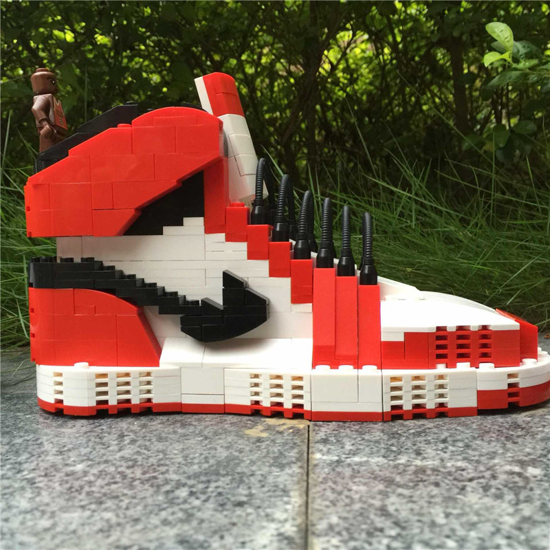 Howplay red and white AJ1 blocks in Chicago Basketball shoes Gym shoes Give a gift to a boyfriend boy toy jordan shoes clark competition in blood services pr only conf chicago june 1986