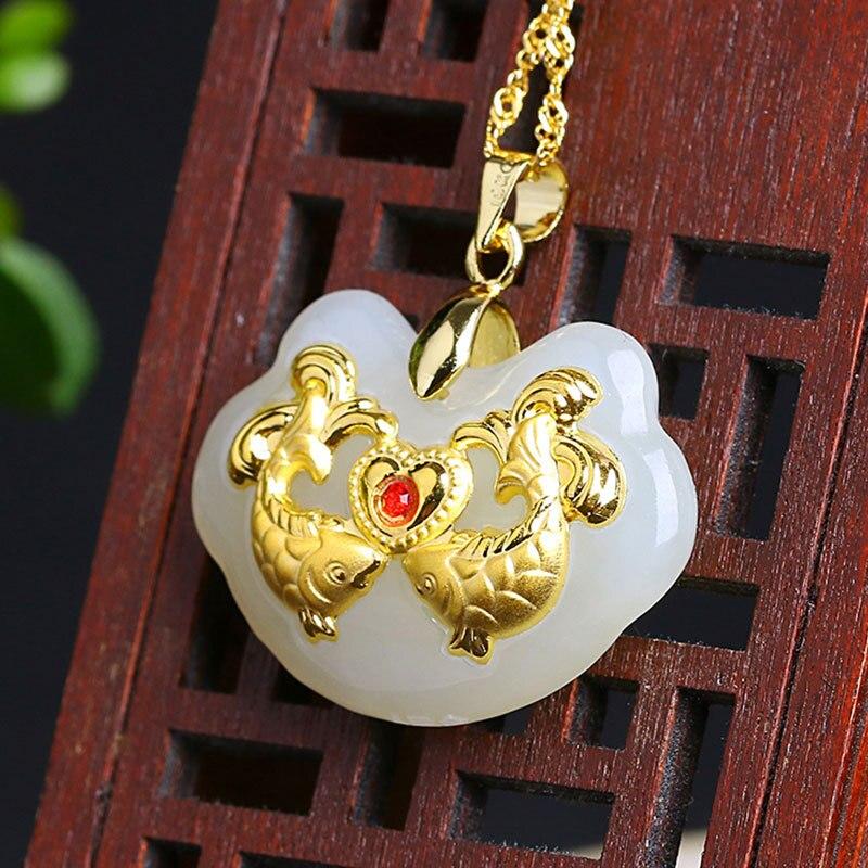 Bijoux de haute qualité incrustés d'or jades amour pendentif de poisson en forme de coeur amour serrure pied or pendentif petite amie collier