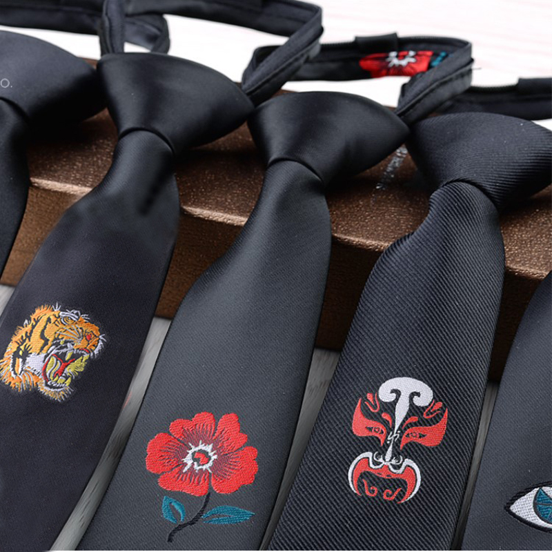 Nova Chegada Fino 5 cm Belos Bordados Gravatas Laços da Garganta Do Animal Vivid Tiger Magro Cosplay Adorável Bee Preguiçoso Laços Com zipper