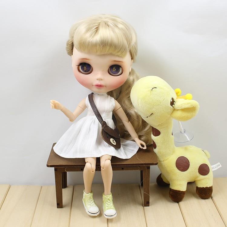 Neo Blythe Doll White Dress with Bear Bag 4