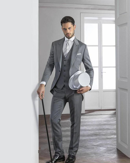 ad8966636fc872 Light Grey Mens Suits 2019 Hot Peaked Lapel Tuxedos one button mens wedding  suits cheap Grooms Suits t(Jacket+Pant+Vest)