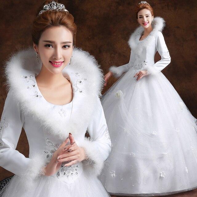 Langen Ärmeln Weiß Winter Hochzeitskleid mit faux Pelzkragen ...