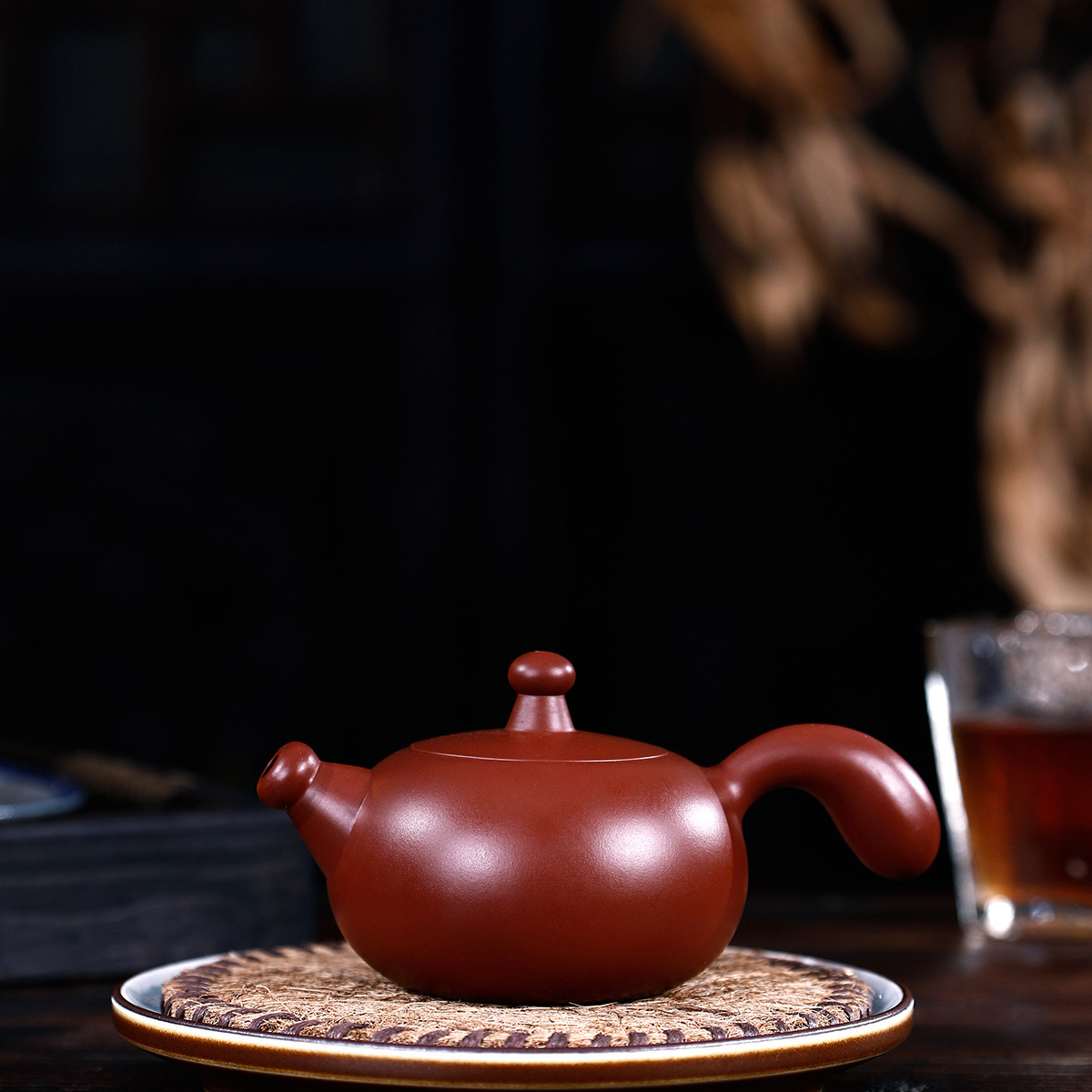 Pottery Teapot Famous Full Manual Raw Ore Bright Red Tang Feather Pot In Gouhongdao Kungfu Online Teapot Tea Set Suit GiftPottery Teapot Famous Full Manual Raw Ore Bright Red Tang Feather Pot In Gouhongdao Kungfu Online Teapot Tea Set Suit Gift