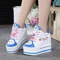 Nueva Llegada 2017 Mujeres de Las Señoras de Moda Ocultos Altas Plataformas de Tacón de Cuña Del Cordón Hello Kitty Patrón Gatito Zapatos