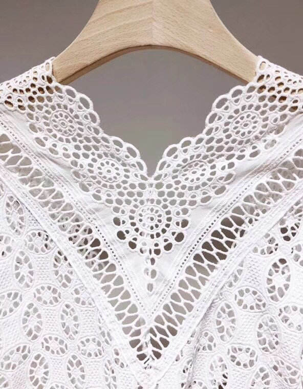 2018 Polyester Regular Full Spring New Turteneck Lace Shirt Perspective Sexy Hook Flower Hollowed out Women's Bottoming shirt - 6