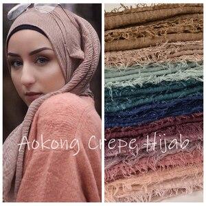 Image 1 - 10 teile/los frauen maxi crinkle hijabs schals oversize kopf wickelt weiche lange muslimischen ausgefranste crepe premium baumwolle plain hijab schal