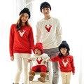 2016 mirada de la Familia Juego Trajes Mamá/Papá/Bebé rojo de Algodón de Manga Larga camisetas primavera/otoño ciervos de la navidad Ropa de la Familia